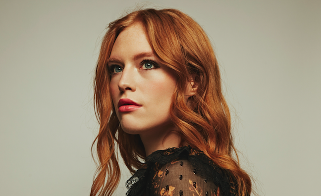 Freya Ridings moves into Music Moves Europe Talent chart Top 3.